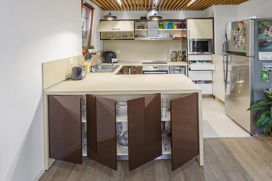 Кухня по поръчка модел SWAP